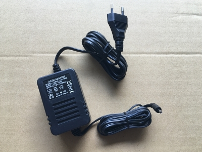 AC /DC adapter