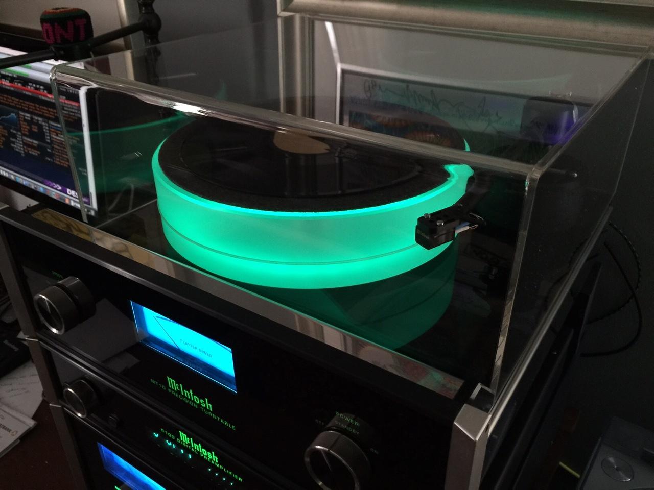 Custom Clear Acrylic Turntable Dust Covers.