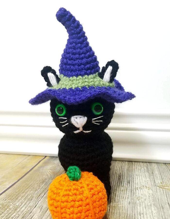 Halloween-Kitty-Post1.jpg