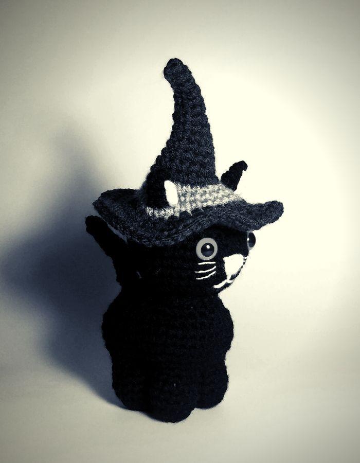 Halloween-Kitty-Post3.jpg