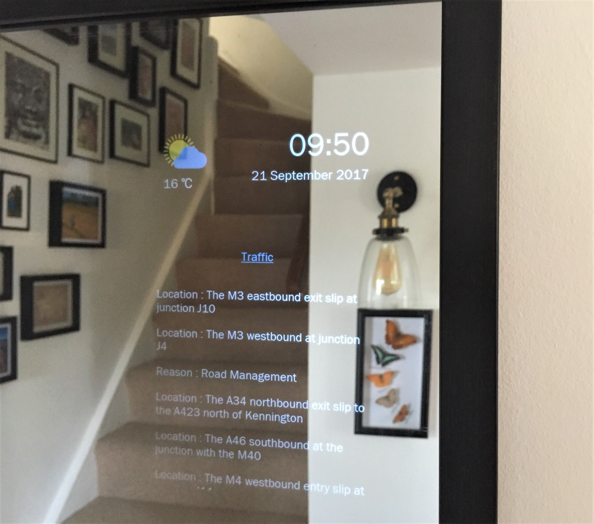 Smart Mirror Road Traffic