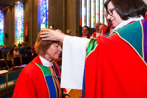 first arizona female bishop, Deborah Hutterer, groove heads event photography