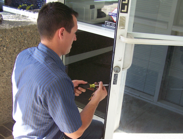 commercial door rekeying and repair