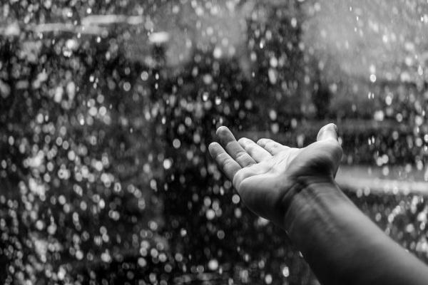 Motionless Rainfall