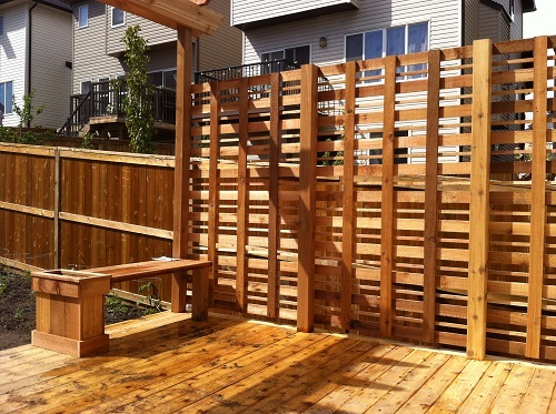 Cedar deck privacy and bench