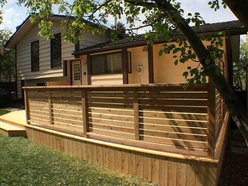 Horizontal Calgary deck railing