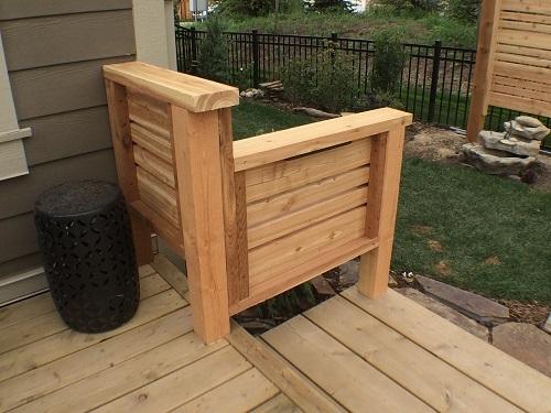 Small Cedar Railing Feature
