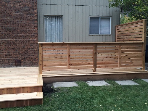Horizontal Cedar Deck Railing
