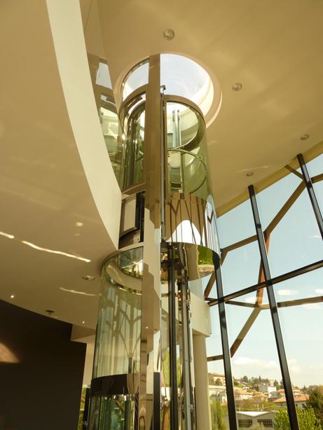 Circular elevator