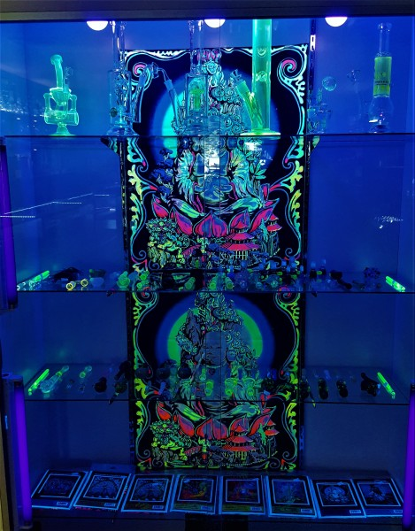 glow in the dark pipes