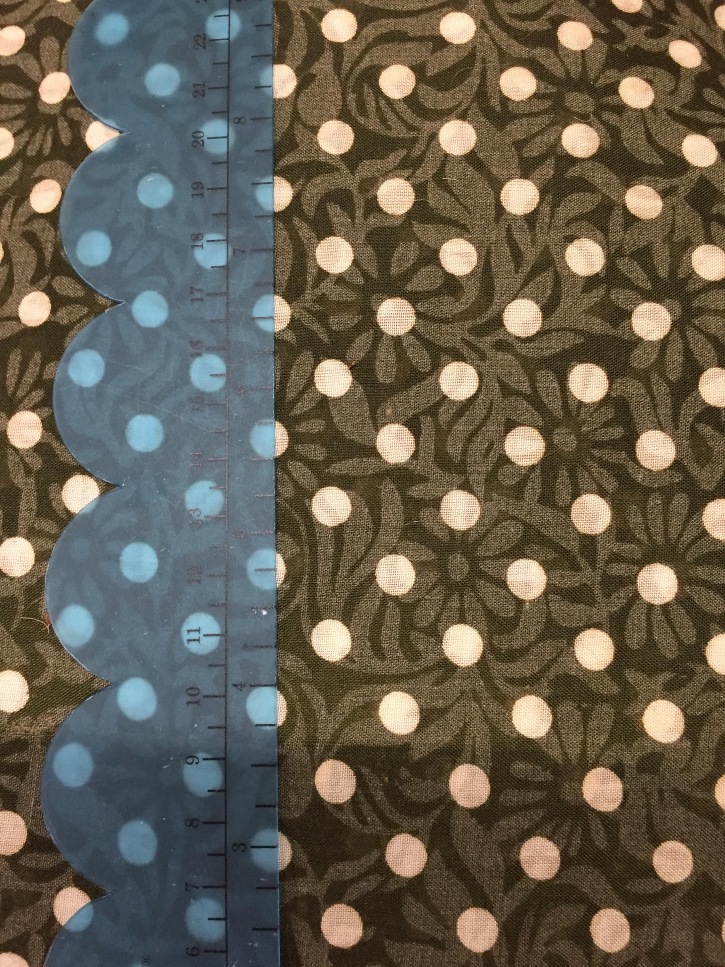 027 Taupe Dots - Light