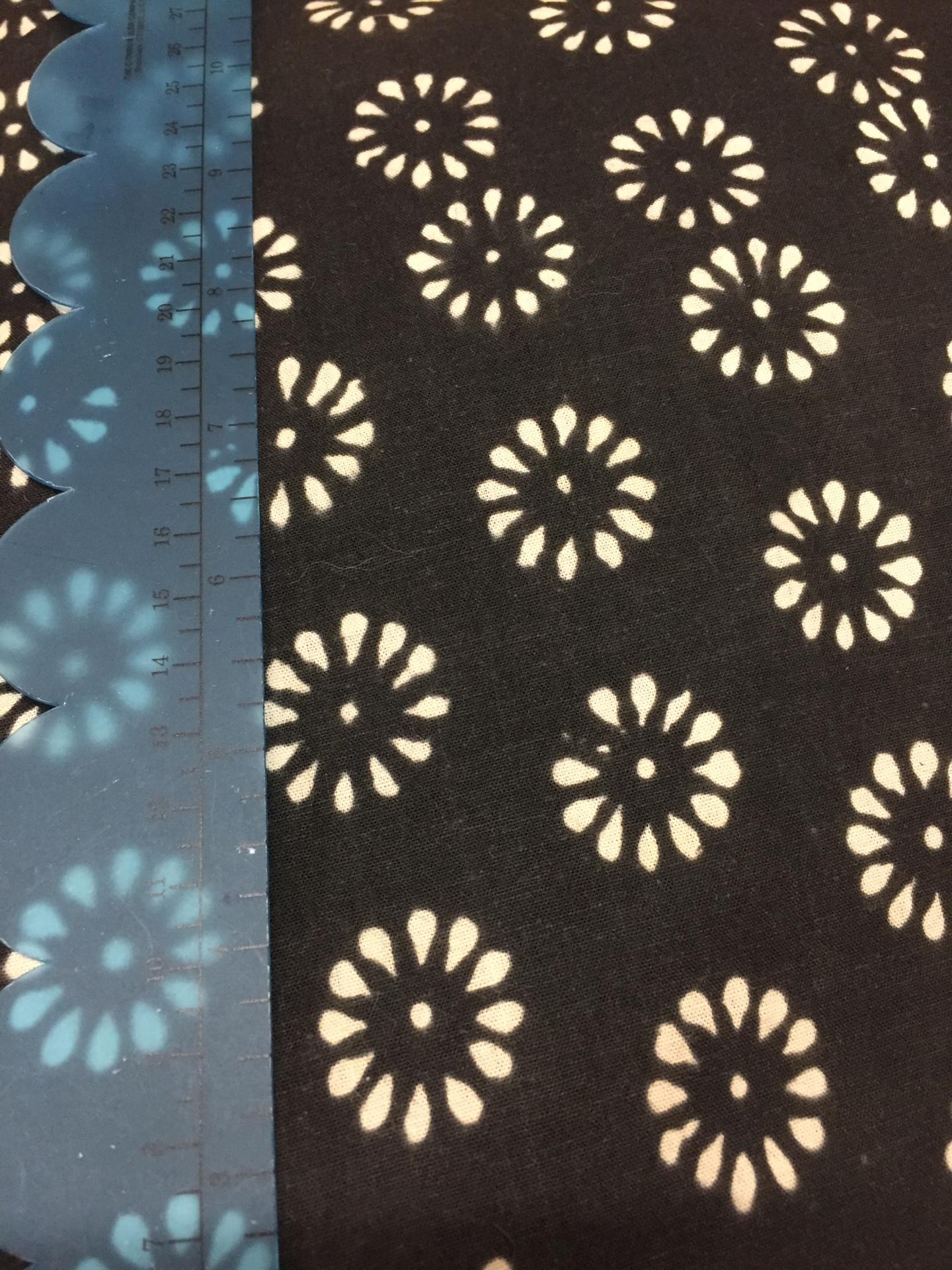 029 Black Flower Buttons - Light