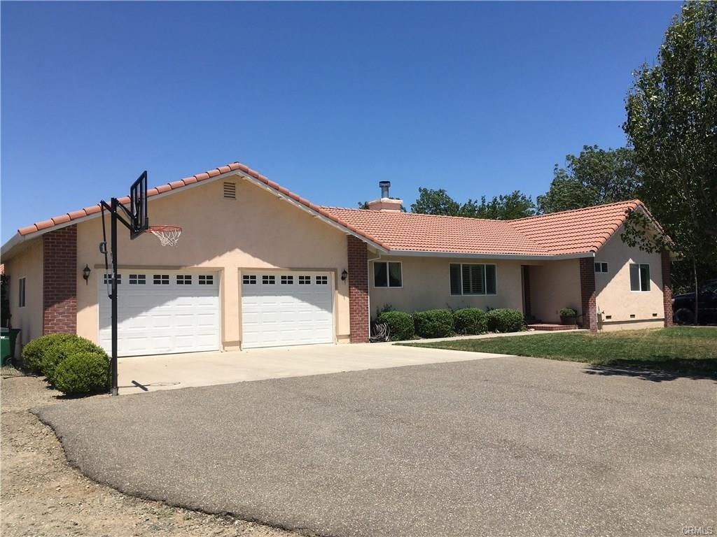 6320 County Road 200 • Orland 95963 SOLD FOR $355,000