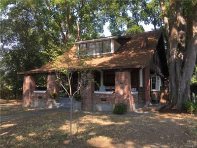 324 N. Plumas St • Willows 95988 SOLD FOR $225,000