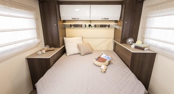 Zefiro 696 Island Bed