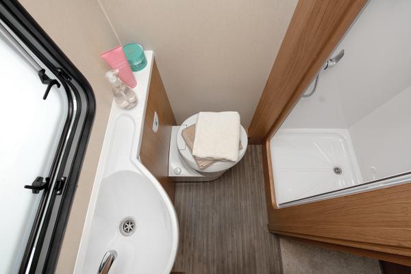 Tribute 726 Bathroom