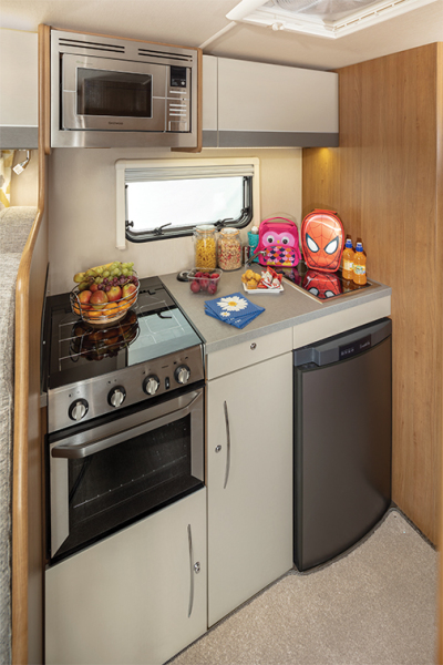 Tribute 726 Kitchen