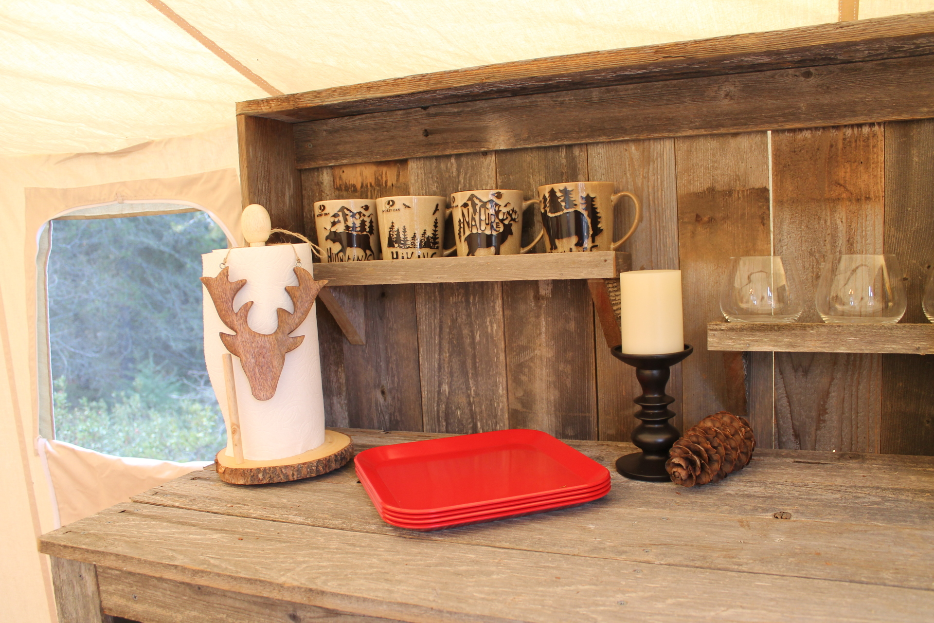 Rustic Lodge - Kitchenette