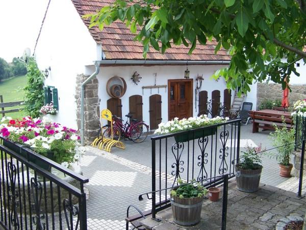 Steinernes Apartment/Stone Cottage