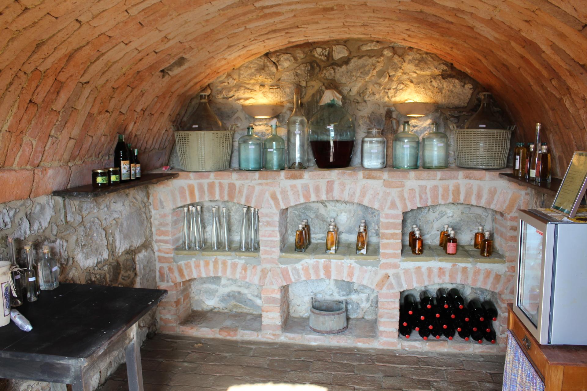 Schnapskeller/Brandy Cellar
