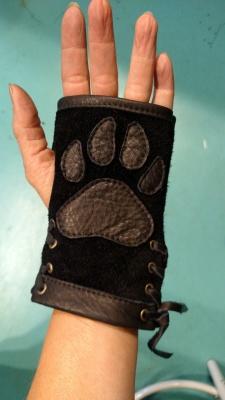 Paw Glove