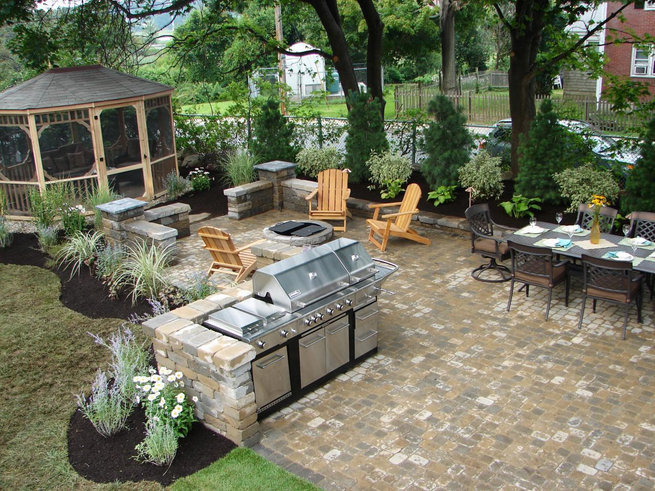 Outdoor Barbecues, Kitchens, Fireplaces, Firepits