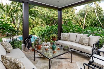 Outdoor Florida living