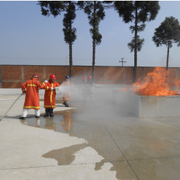 Treinamento combate a incêndios
