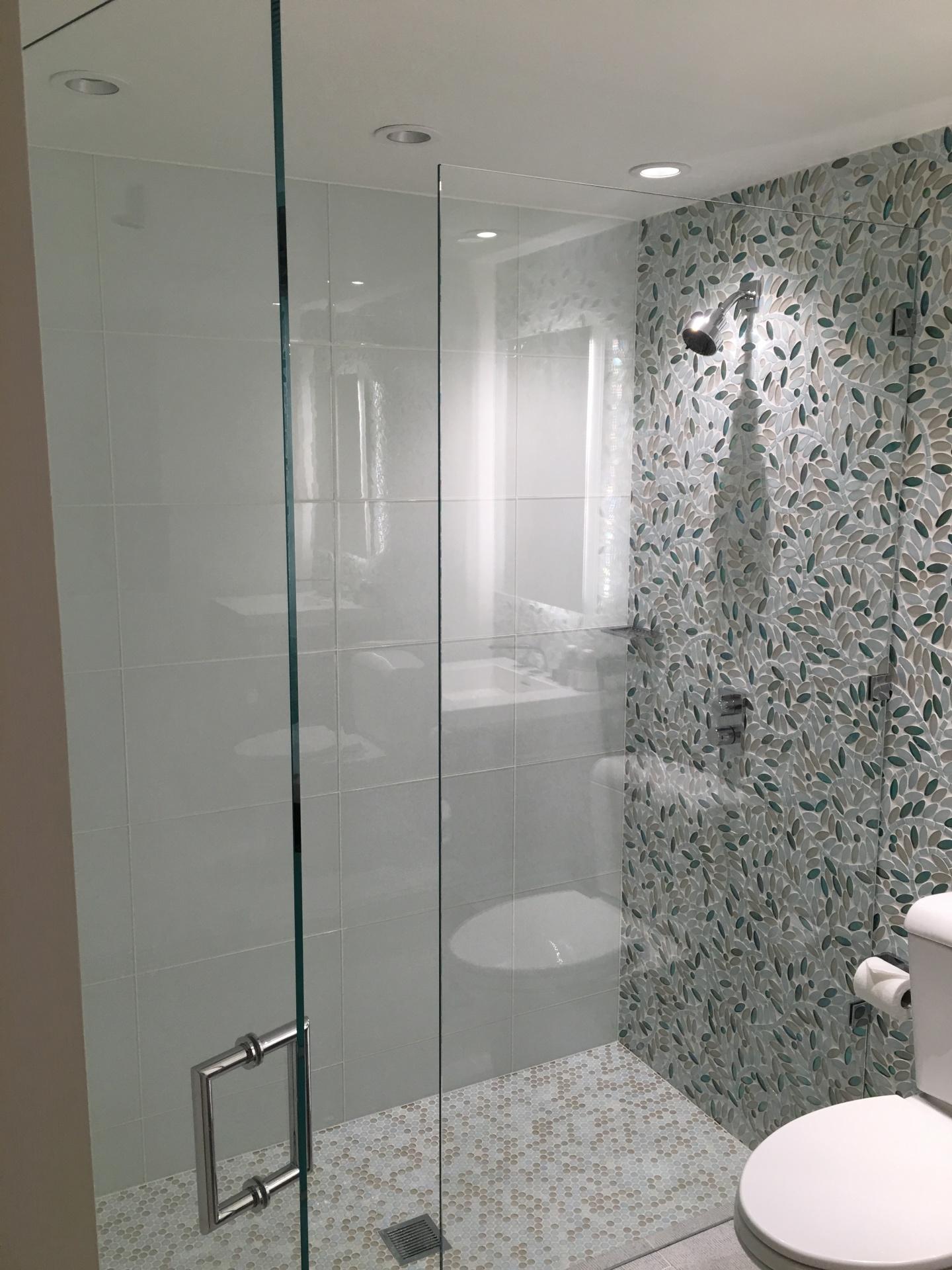 Walker Zanger Roku Glass Tile