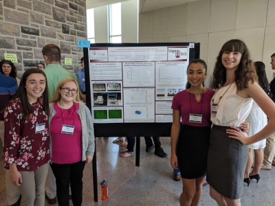 Alexandra Marnot and Samantha Stutz at the 2018 Student Experiential Learning Conference