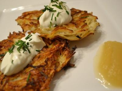 Kartoffelpuffer/Latkes (potato pancakes)