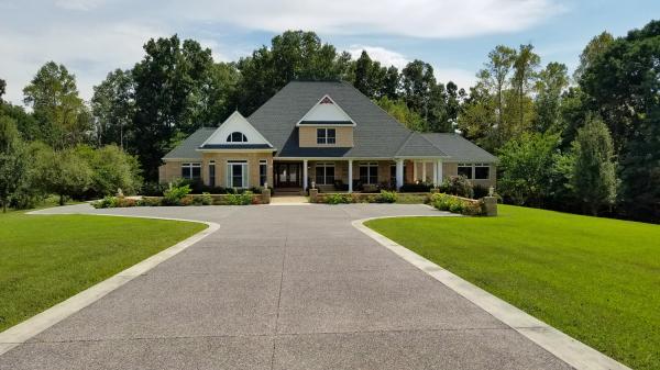 Welcome Home to 207 Thoma Lane