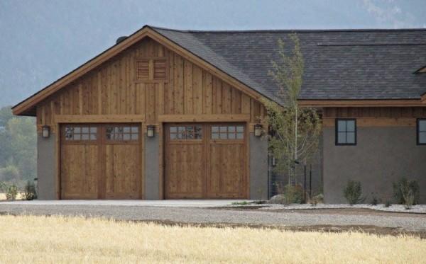 Rough Sawn Knotty Cedar Overhead Garage Doors
