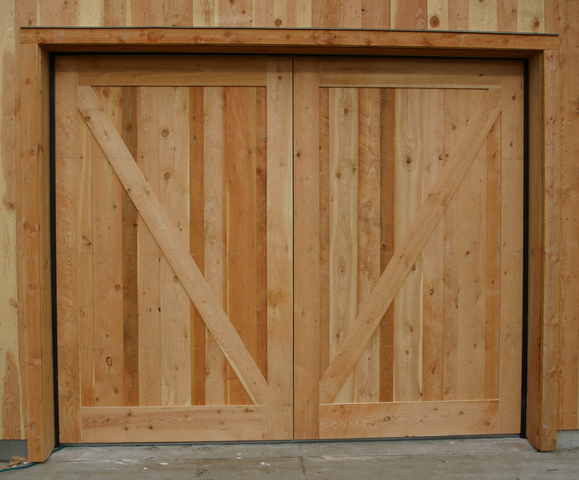 Rough Sawn Fir Overhead Garage Door