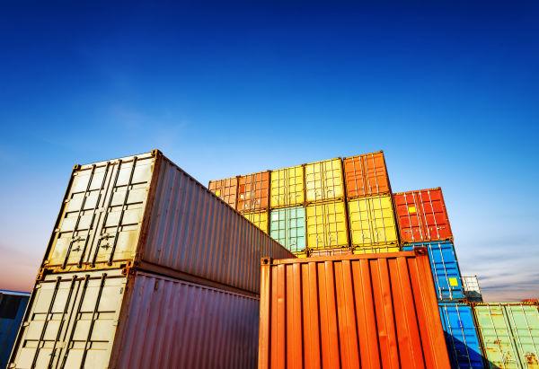الحاويات و أثرها على سلامة وأمن النقل البحري