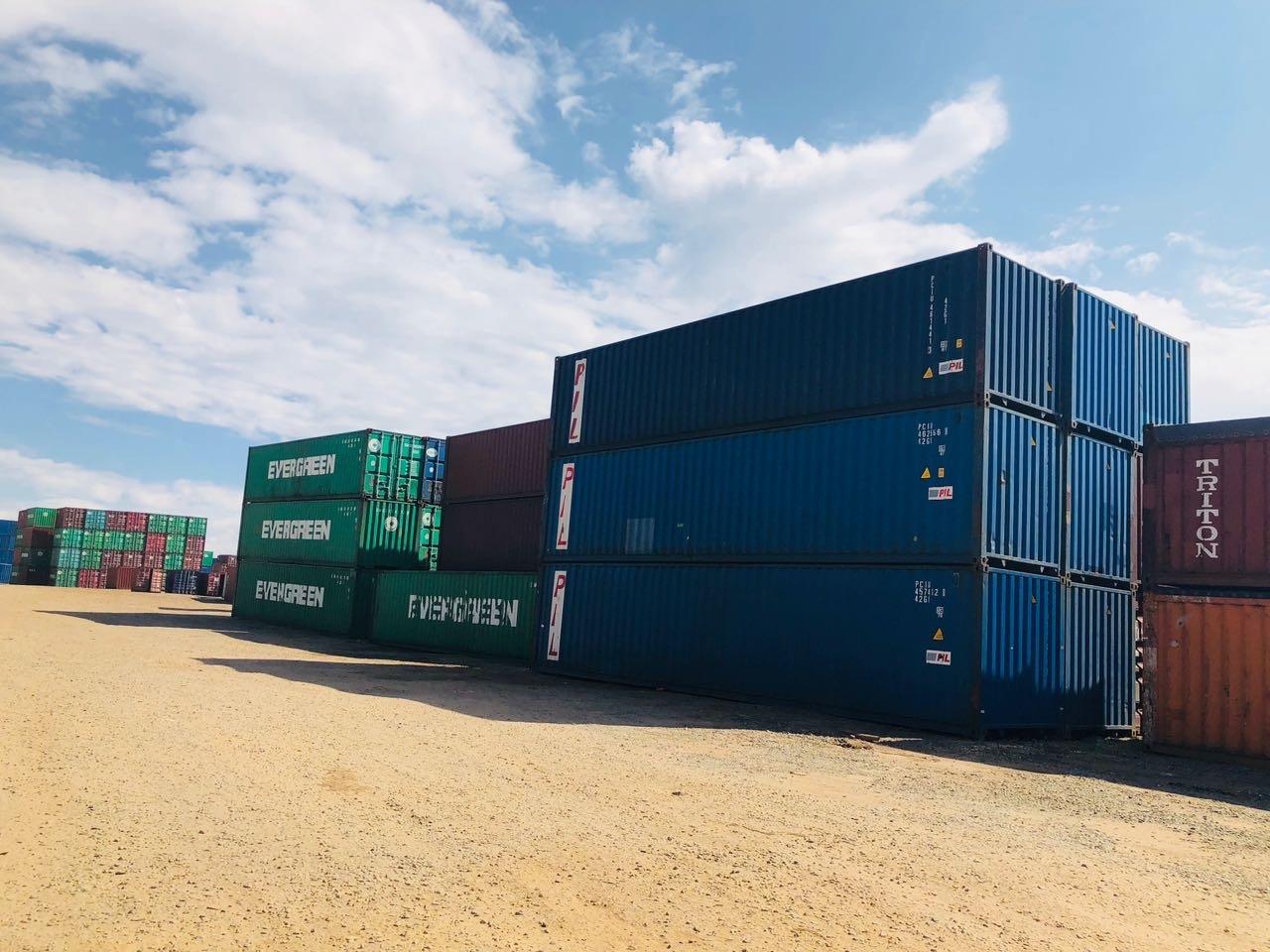 اعلان: حاويات شحن فارغة جديدة و مستعملة ٢٠ قدم و ٤٠ قدم للبيع أو للايجار-الأردن و الامارات