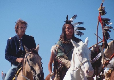 Orion Pictures/MGM  Graham Green as Kicking Bird accompanies lieutenant Dunbar (Kevin Costner) in Da