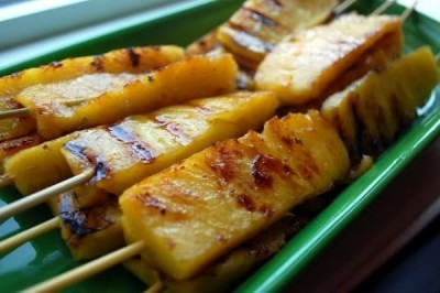 Grilled Pineapple Dipped in Cinnamon Sugar