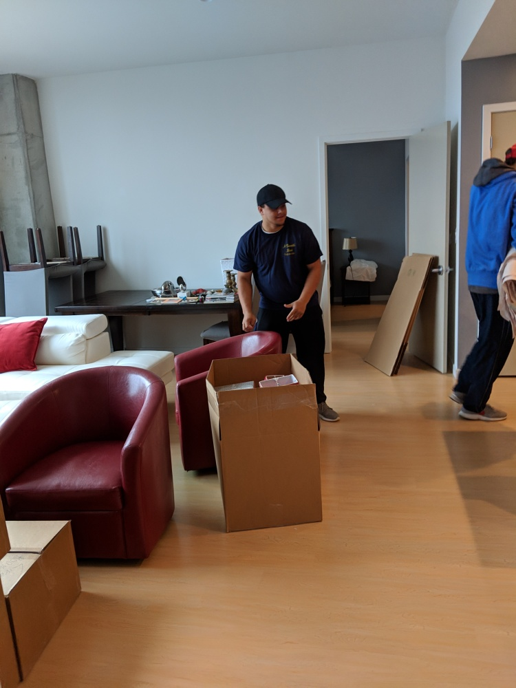 3 Reasons to Hire a Moving Service