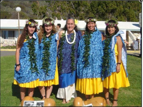 Kumu Sylvia Puananihaʻaheo Edgar with Nā Haumāna