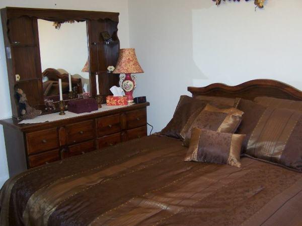 Chocloate Dream bedroom ensuite jacuzzi