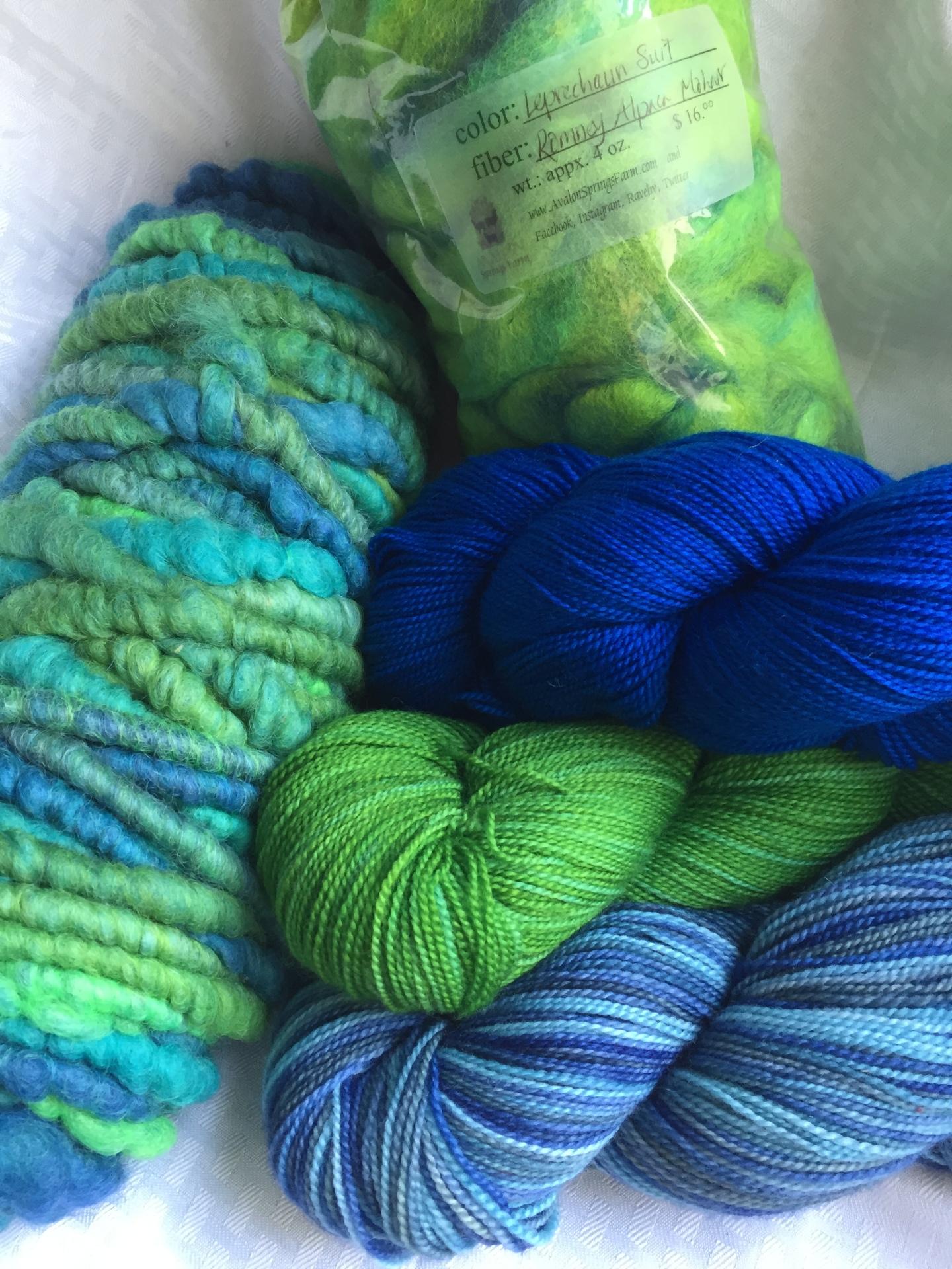 Interlocking colors of yarn with core-spun.