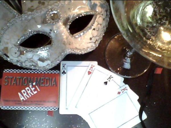 Cartes de jeu sur mesure! Custom Made Playing Cards.