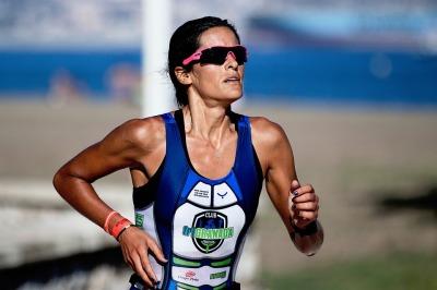 female long distance runner
