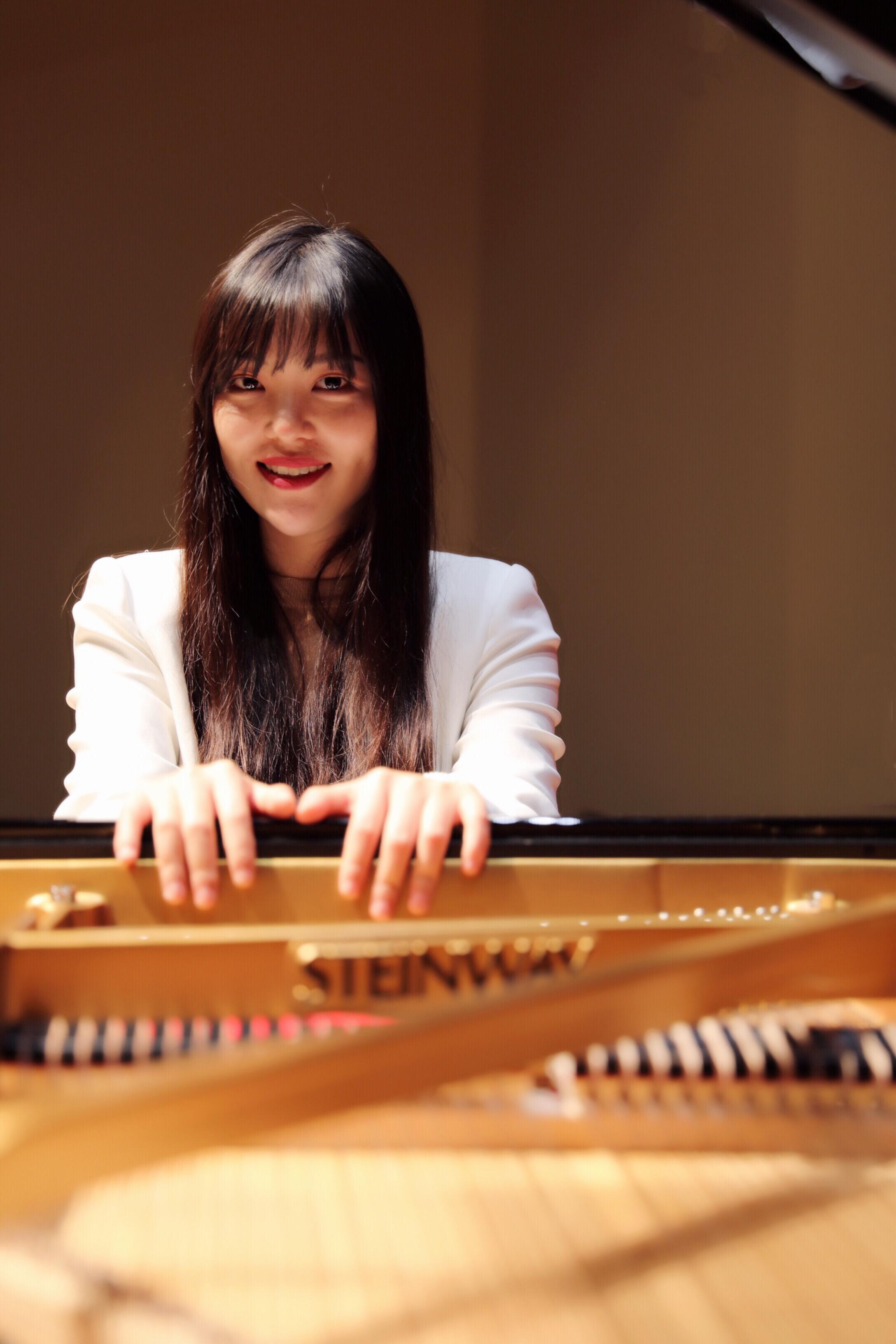 Zhirui Zhou