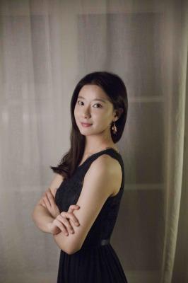 Soo Yeon Hwang