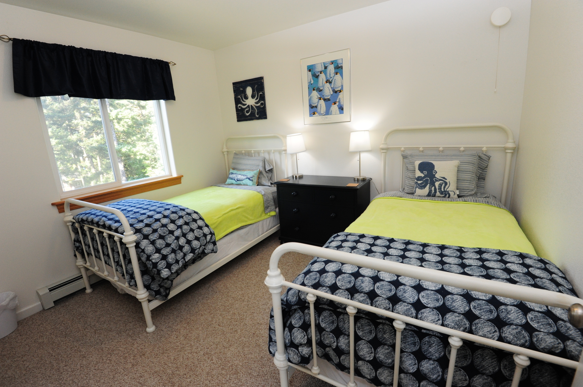 Third Bedroom with 2 twin beds