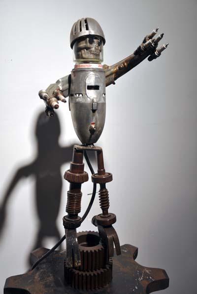 Garlic Drill Sargent Robot