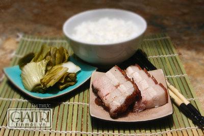 Thịt heo quay giòn ăn cực hấp dẫn