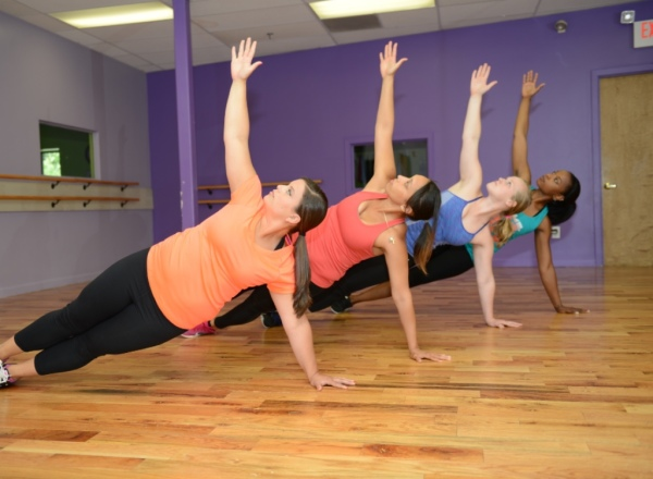 class, group classes, group fitness, group training, bootcamp, 6 pack abs